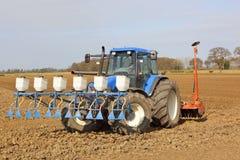 Application du pesticide granulaire et cultivation photo libre de droits
