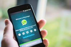 Applicazione del cellulare di WhatsApp Immagine Stock
