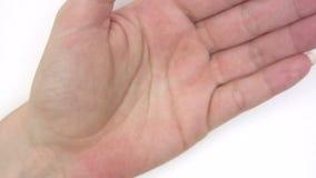 Applicazione della crema per le mani video d archivio