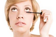 Applicazione della mascara. Cigli lunghi Fotografie Stock Libere da Diritti