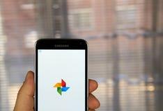 Applicazione delle foto di Google Immagini Stock Libere da Diritti
