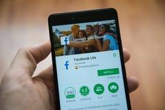 Applicazione di Facebook lite nel deposito del gioco di Google immagini stock libere da diritti