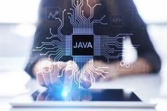 Applicazione di linguaggio di programmazione di Java e concetto di sviluppo di web sullo schermo virtuale fotografie stock
