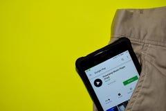 Applicazione di prova dello sviluppatore del lettore di Poweramp sullo schermo di Smartphone fotografie stock libere da diritti