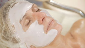 Applicera av den ansikts- maskeringen för alginate lager videofilmer