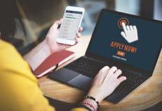 Applicera nu begreppet för applikationpersonalresursanställning arkivbild
