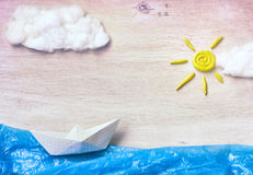 Applique με τη βάρκα εγγράφου Στοκ εικόνες με δικαίωμα ελεύθερης χρήσης