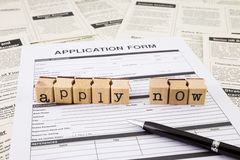 Appliquez pour une offre d'emploi images stock