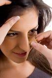 applying beautician makeup Στοκ εικόνα με δικαίωμα ελεύθερης χρήσης