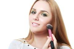 applying blusher woman Στοκ φωτογραφία με δικαίωμα ελεύθερης χρήσης