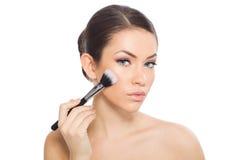 applying blusher woman Στοκ Φωτογραφίες