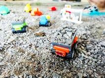 Apportez votre jouet d'imagination du ` s d'enfant pour jouer la construction virtuelle Images stock
