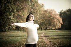Appréciant la durée - attendre l'enfant dans la grossesse Photographie stock