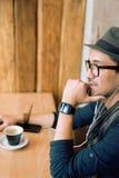 Apprécier de la musique et du café Photos libres de droits