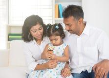 Apprécier indien de famille photos libres de droits