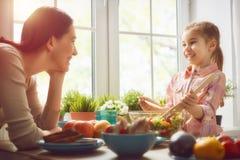 Apprécier le dîner de famille Photo libre de droits