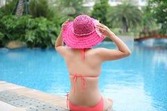 Apprécier une piscine Image libre de droits