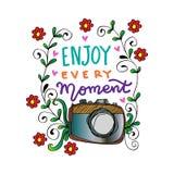 Appréciez chaque moment dans votre lettrage de main de la vie avec la caméra illustration stock