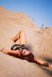 Appréciez en sable images stock