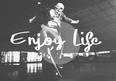 Appréciez le concept de bonheur de satisfaction de plaisir de la vie images stock