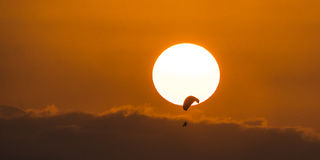 appréciez le coucher du soleil Photo libre de droits