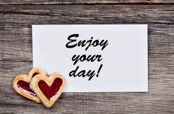 Appréciez votre jour ! Textotez sur le papier photographie stock