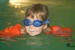 Apprendimento nuotare Immagine Stock Libera da Diritti