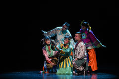 """Apprenez le  de teenager†de Pékin Opera""""Yue des leçon-enfants Photographie stock"""
