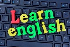 Apprenez les mots anglais sur le clavier d'ordinateur Images stock