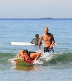 Apprentissage pour surfer Image libre de droits