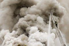Apprivoisez un incendie faisant rage Photo libre de droits