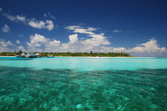 Approach to Kanuhura Atoll Royalty Free Stock Images