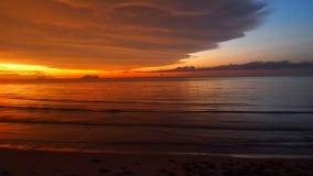 Approche de coucher du soleil de Bornean Photographie stock libre de droits