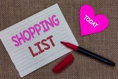 Approche de discipline de signification de concept de liste d'achats d'écriture des textes d'écriture aux articles de base de ach photos libres de droits