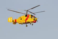 Approche lourde de la formation Ils d'hélicoptère de sauvetage Photographie stock