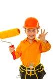 Approvazione felice di esposizione del ragazzo del bambino del pittore Fotografia Stock