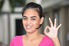 Approvazione Filipina Person giovanile fotografia stock