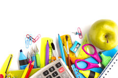 Approvisionnements d'école sur le fond blanc Images stock