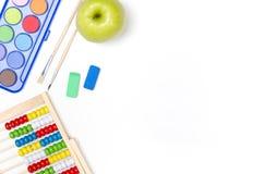 Approvisionnements d'école sur le fond blanc Photographie stock