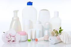 Approvisionnements de soin sur le blanc photo stock