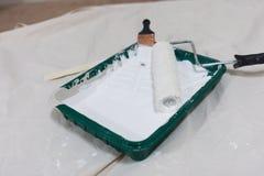 Approvisionnements pour le travail intérieur de peinture photos stock