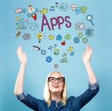 Apps com jovem mulher fotografia de stock