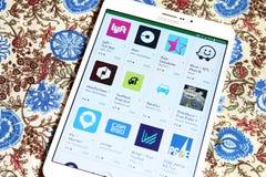 Apps do táxi no jogo de Google foto de stock