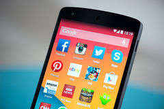 Apps móveis nos nexos 5 de Google Fotografia de Stock Royalty Free