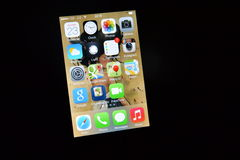 Apps no iPhone com iOS 7 Imagens de Stock Royalty Free