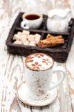 Appuccino  καφέ Ñ φλυτζανιών Στοκ φωτογραφίες με δικαίωμα ελεύθερης χρήσης
