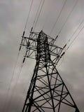 Appui électrique de lignes électriques images libres de droits