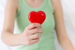 Appui rouge d'amour de santé de forme de coeur Photographie stock