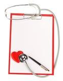 Appunti in bianco con lo stetoscopio Fotografia Stock Libera da Diritti