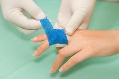 Appy επίδεσμος φιλαράκων ιατρικής σαλτσών πληγών Στοκ Φωτογραφίες